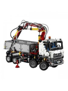 LEGO Technic Mercedes-Benz Arocs 42043